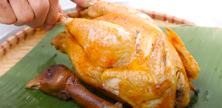 How to make aluminum foil grilled chicken with a charcoal stove, a simple oil-free fryer